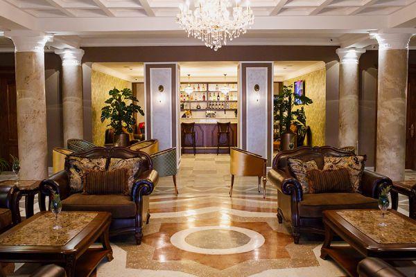 lobby-bar-12F628356-A1EF-86EC-2065-680750844A6A.jpg