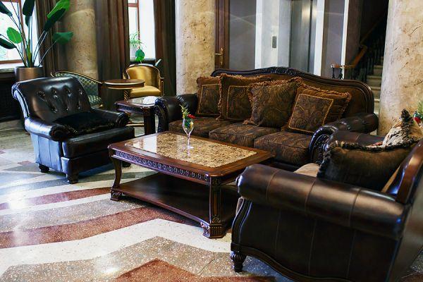 lobby-bar-35EDC221E-43E2-4778-BF54-7EB099F7302A.jpg