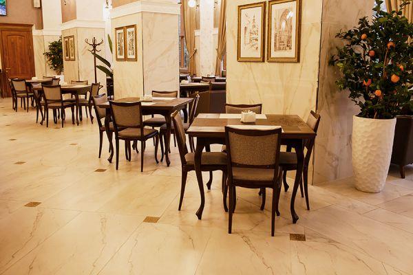 restaurant-2B28C4BFD-B165-CBEF-C860-1E1C69188FDB.jpg