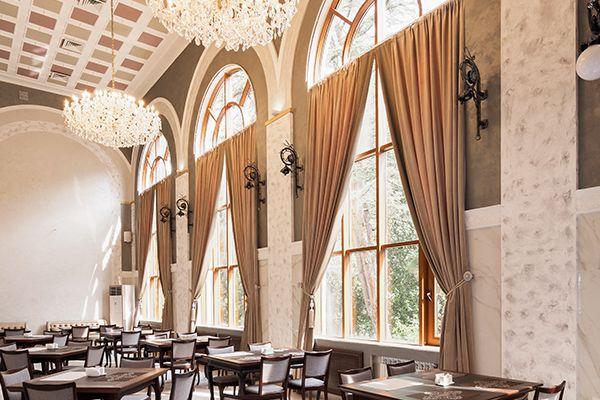 restaurant-3C1773D8E-66DE-F3A6-CB78-B484B24A6237.jpg