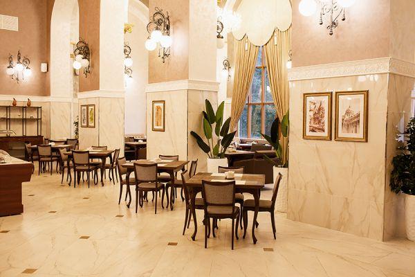 restaurant-4BE68DCA6-F7FA-63C0-3F7D-2A74DAA5EC83.jpg